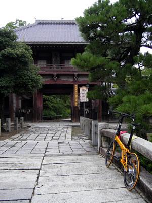 DAHON(ダホン) SPEED PRO TTと日蓮宗本山・本法寺