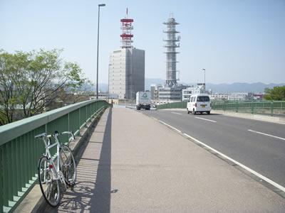 京都南大橋の一本南の橋とSS-110