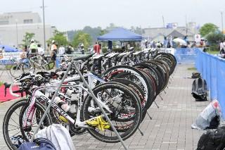 コンチネンタルカップ蒲郡大会:トランジットエリアのバイク達
