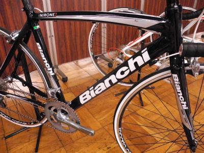 Bianchi(ビアンキ)2012年モデル Via Nirone AluCarbon Alu(ヴィアニローネ) Tiagra 10sp Compact