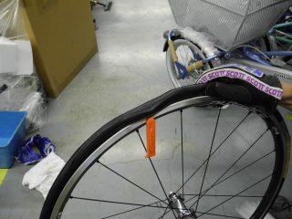 チューブレスタイヤには専用のタイヤレバーを使って下さい