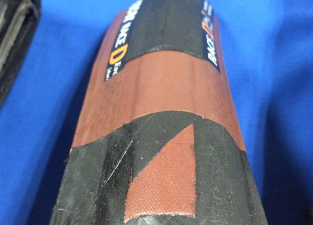 頑丈なタイヤの耐パンク層